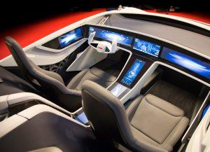 Hochautomatisiertes Fahren steigert nicht nur Sicherheit und Effizienz: Das vernetzte Auto wird zum persönlichen Assistenten. Foto: Bosch
