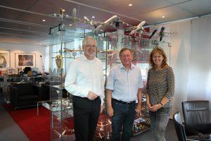 Michael Zaddach, Michael Kerkloh und Claudia Linnhoff-Popien im Büro des Flughafen-Chefs. Foto: Barbara Giese