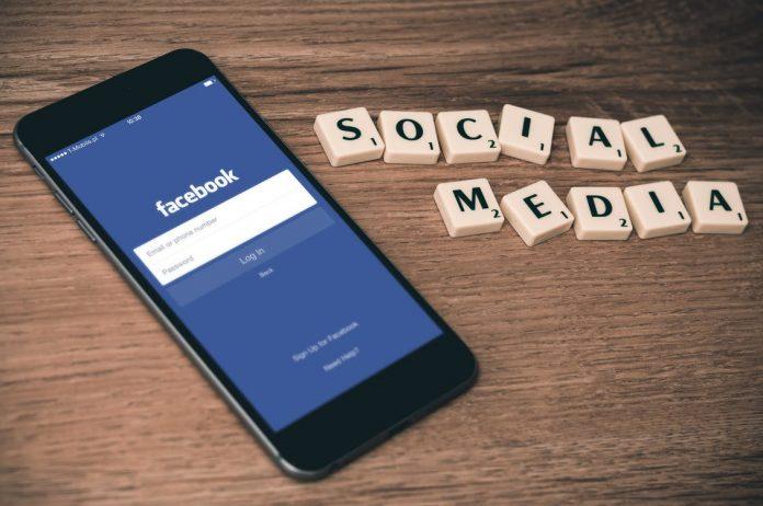 Besonders die Handykamera steht bei Facebooks F8 Konferenz im Fokus.