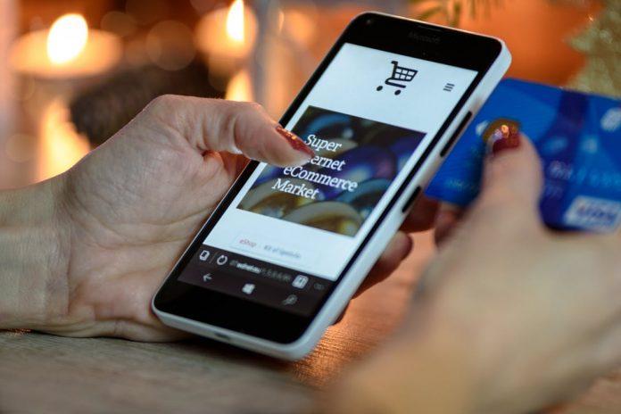 Online-Einkauf mit dem Handy