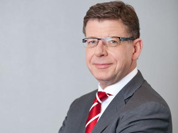 Reinhard Clemens, der Autor des Artikels über digitale Ketten.