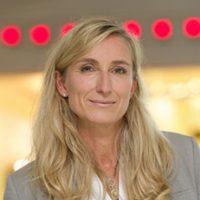 Anette Bronder - Geschäftsführerin Digital Division (DD) und Telekom Security