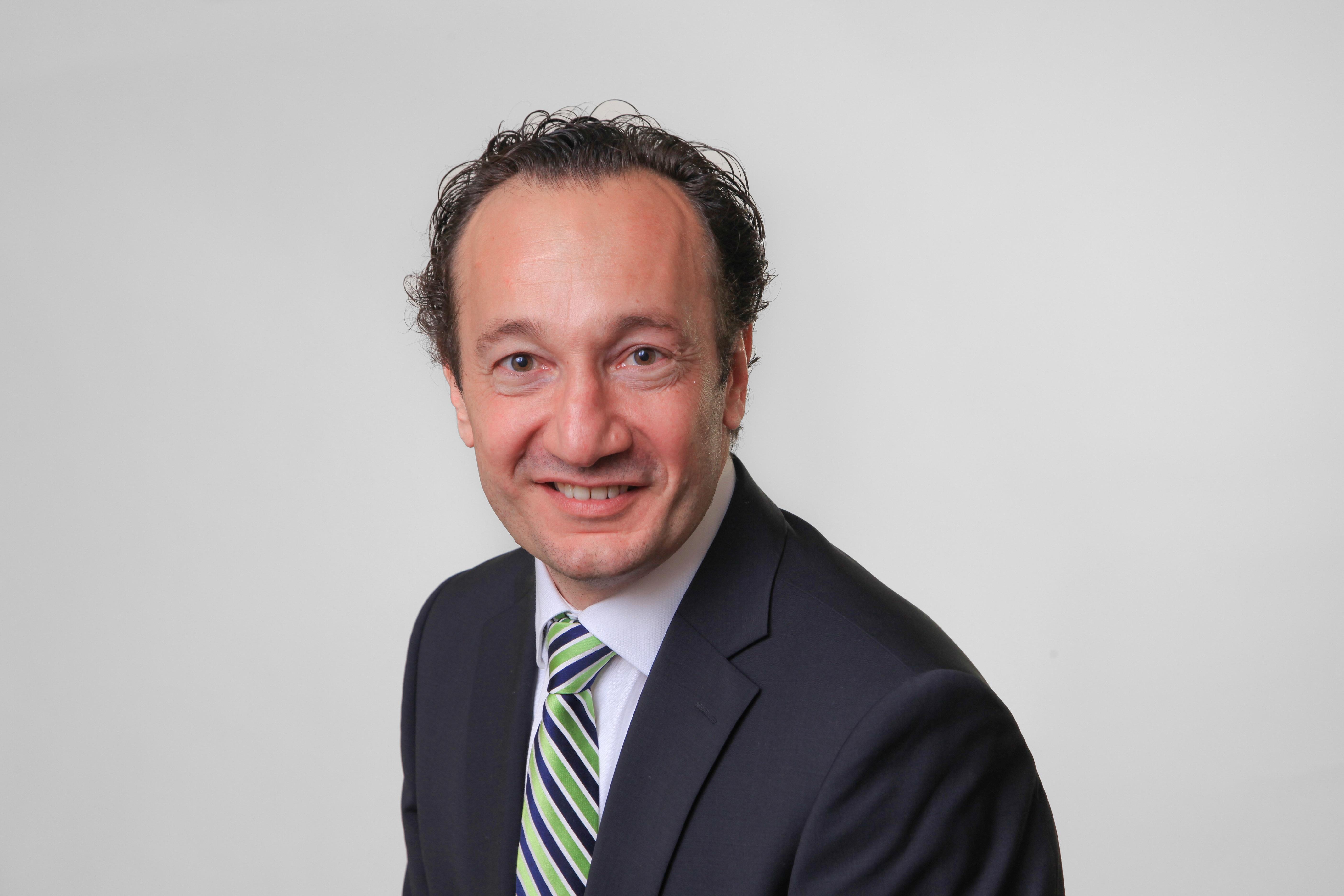 Dr. Robert Bosch, Autor des Artikels über verteilte Register mit der Blockchain-Technologie.