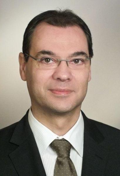 Dr. Gerald Spiegel erklärt in einem Artikel, warum Informationssicherheit Chefsache ist.