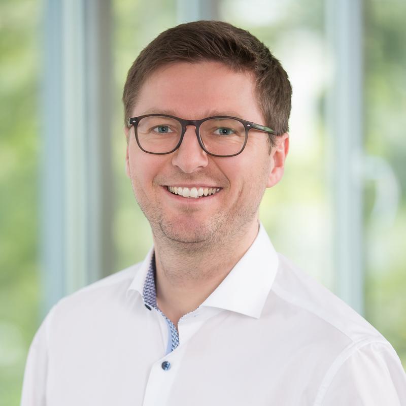 Robert Freudenreich, Autor des Textes über Authentifizierung mit Passwort oder SSO.