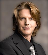 Dipl. Ing. Nicolas Ehrschwendner, Autor des Artikels über defekte RAID-Datenträger.