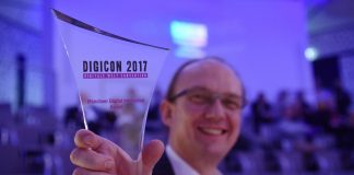 Gewinner des 2. Münchner Digital Innovation Award 2017 - Die eBlocker GmbH mit ihrem System zum anonymem Surfen & Jugendschutz