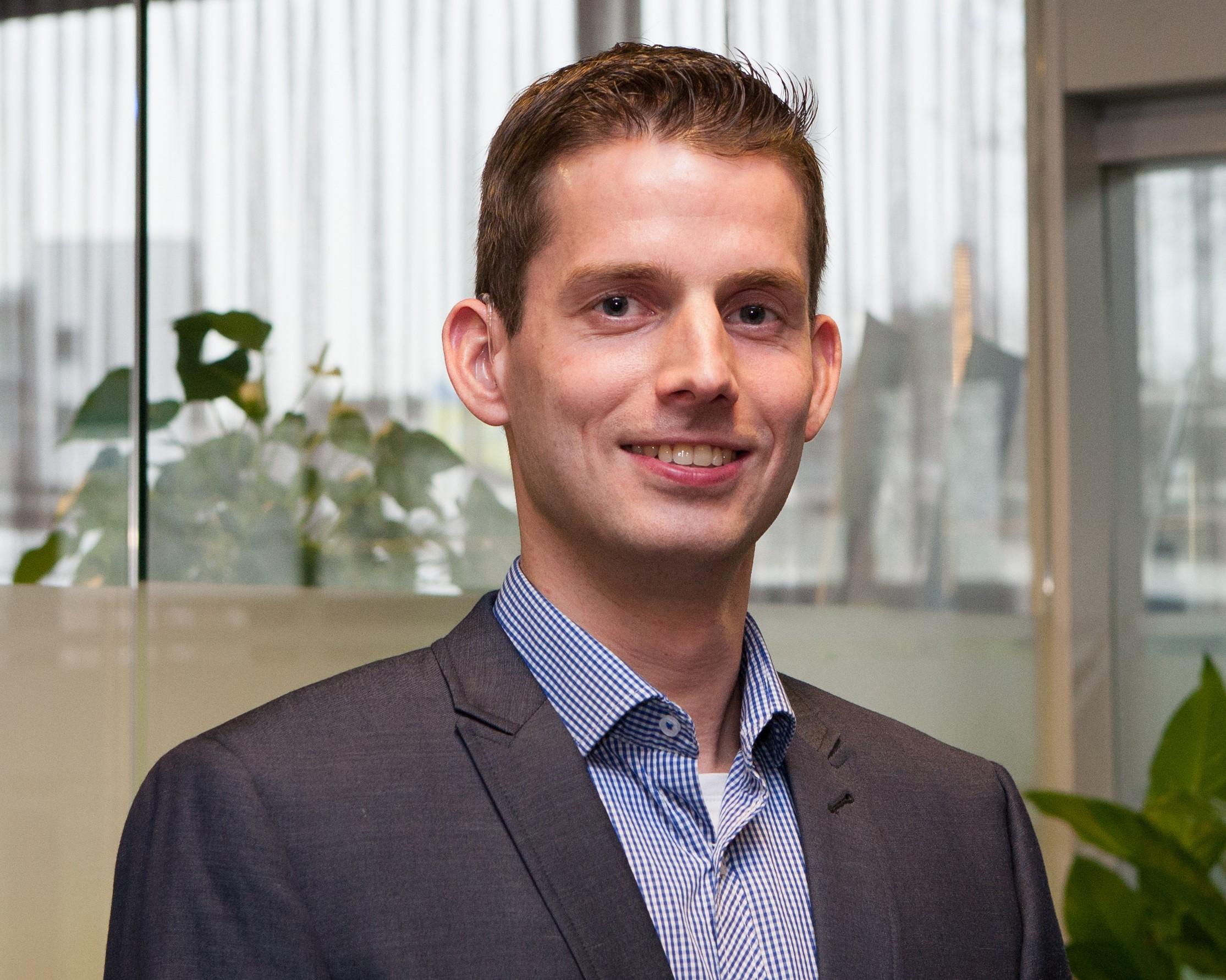 Laurens van der Blom, Autor des Artikels, wie Informationen im digitalen Zeitalter gesichert werden können.