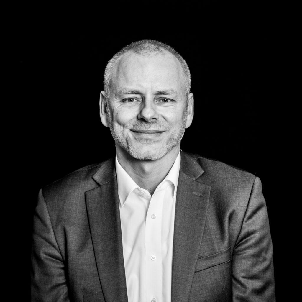 Klaus Schilling, der Autor des Textes, wie Blockchain der Durchbruch gelingen kann.