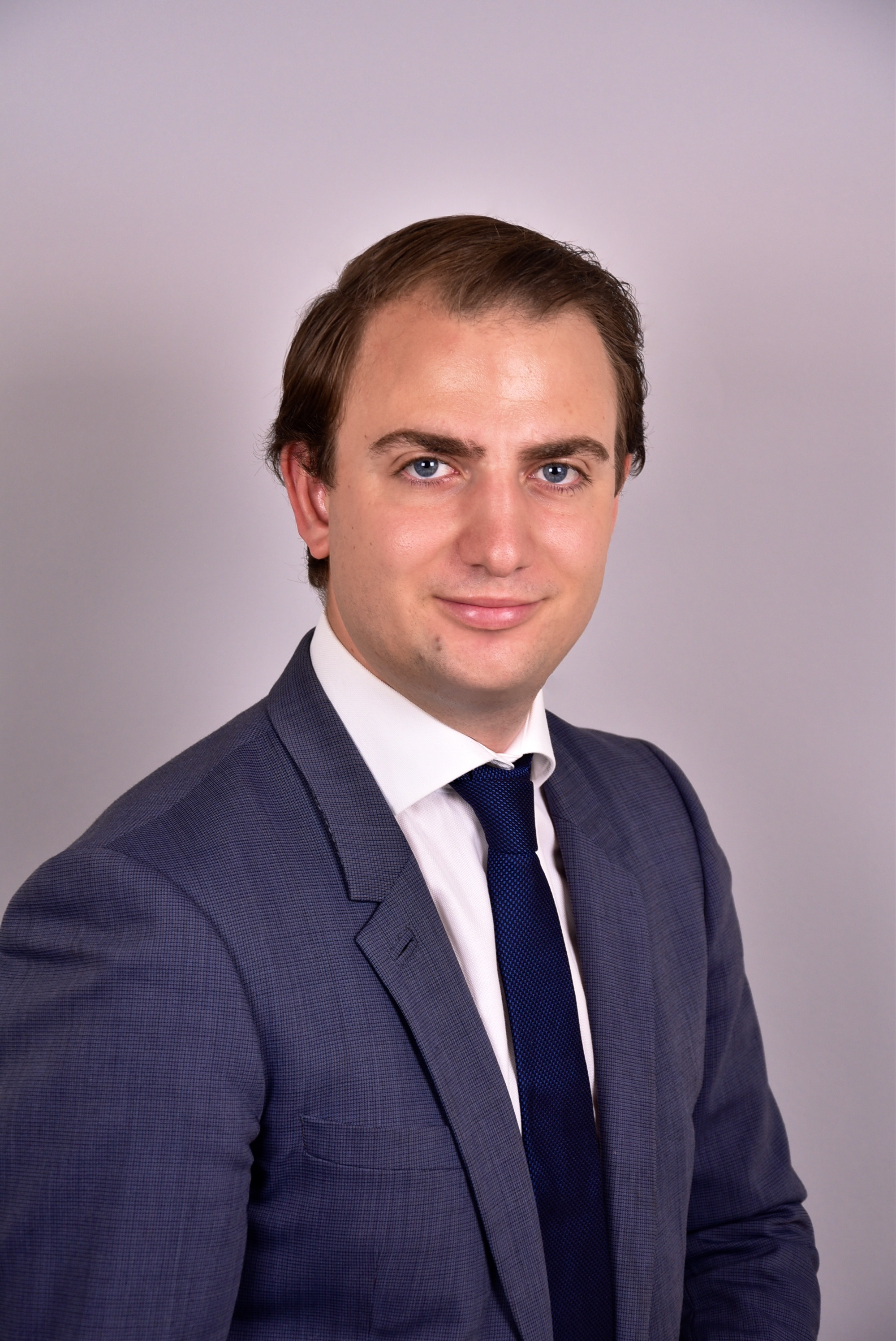 Alexandros Karakatsis, Autor des Artikels 7 Gründe Blockchain im Unternehmen.