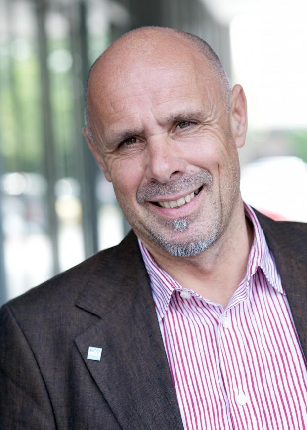 Harald A. Summa, Autor des Artikels über verschiedene Ausprägungen der IoT.