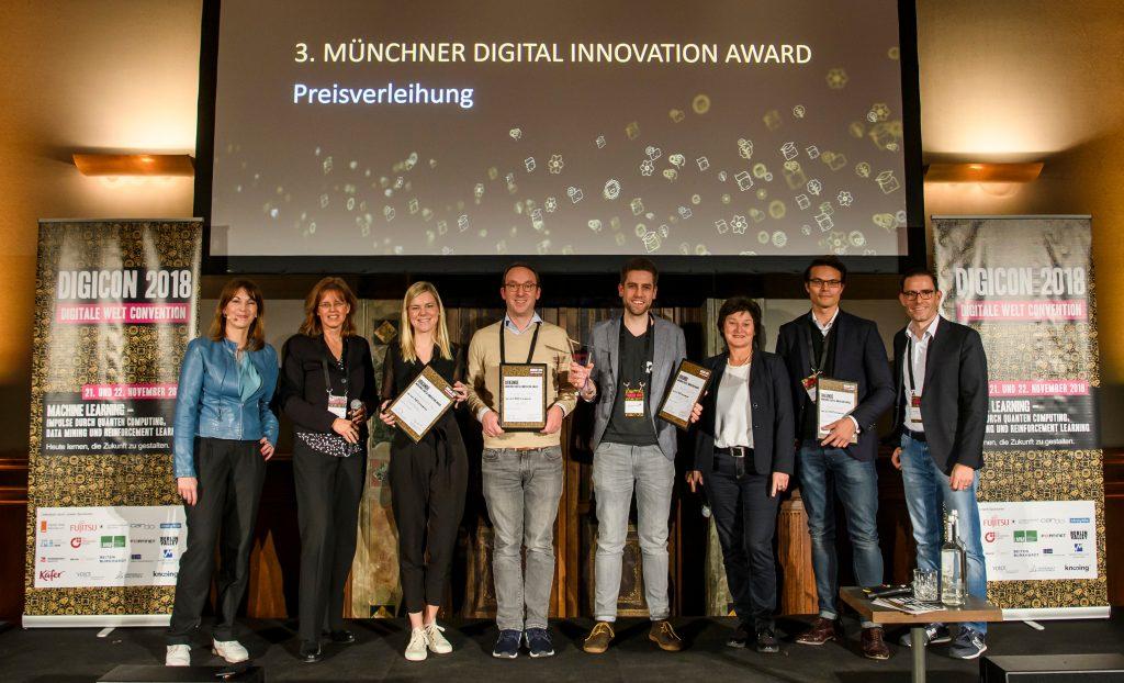 Preisverleihung des 3. Münchner Digital Innovation Awards - der erste Platz ging an Nect.com mit ihrem innovativen Dienst Selfie-Ident.