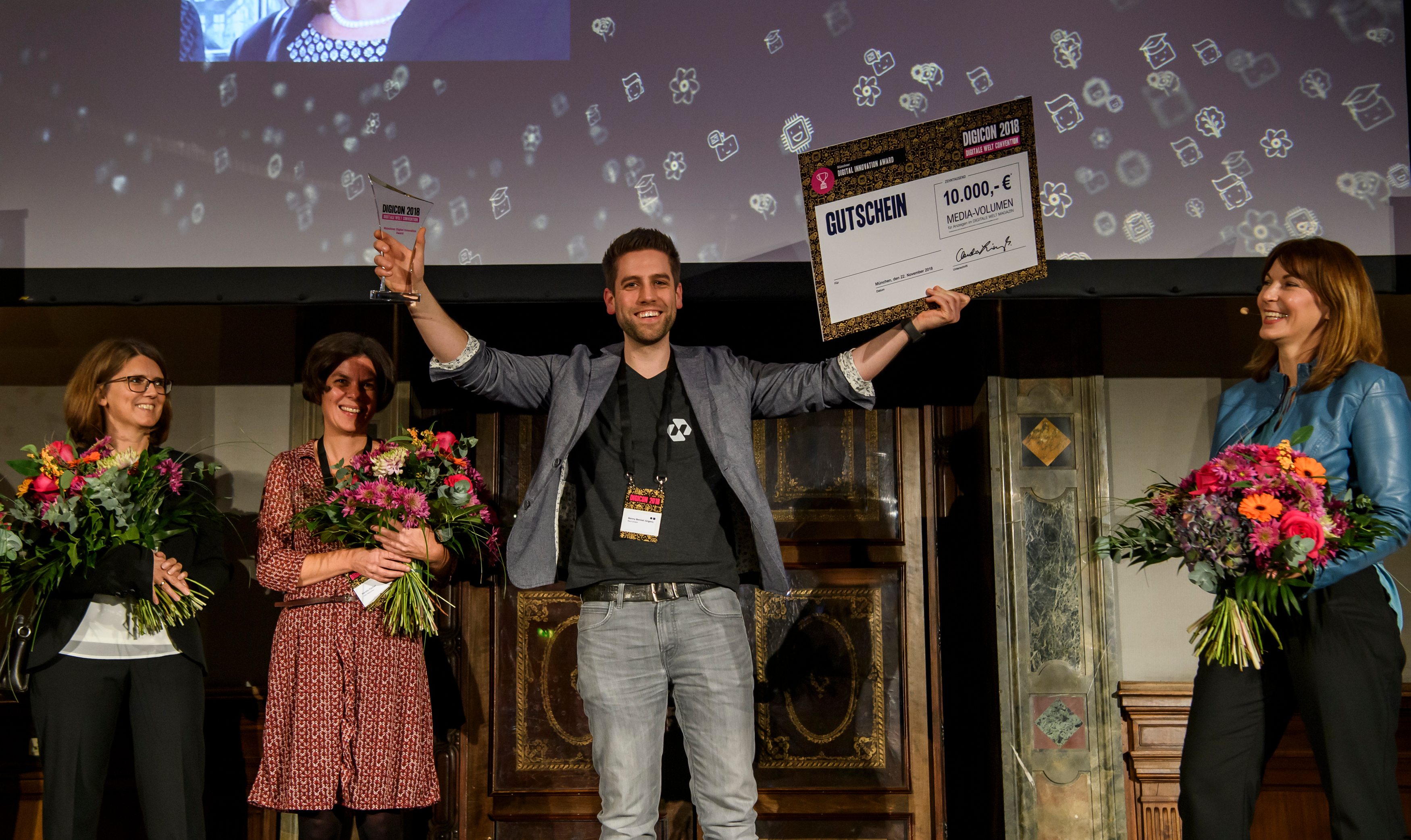 Der Gewinner des 3. Münchner Digital Innovation Award: Nect.com mit der Innovation Selfie-Ident.