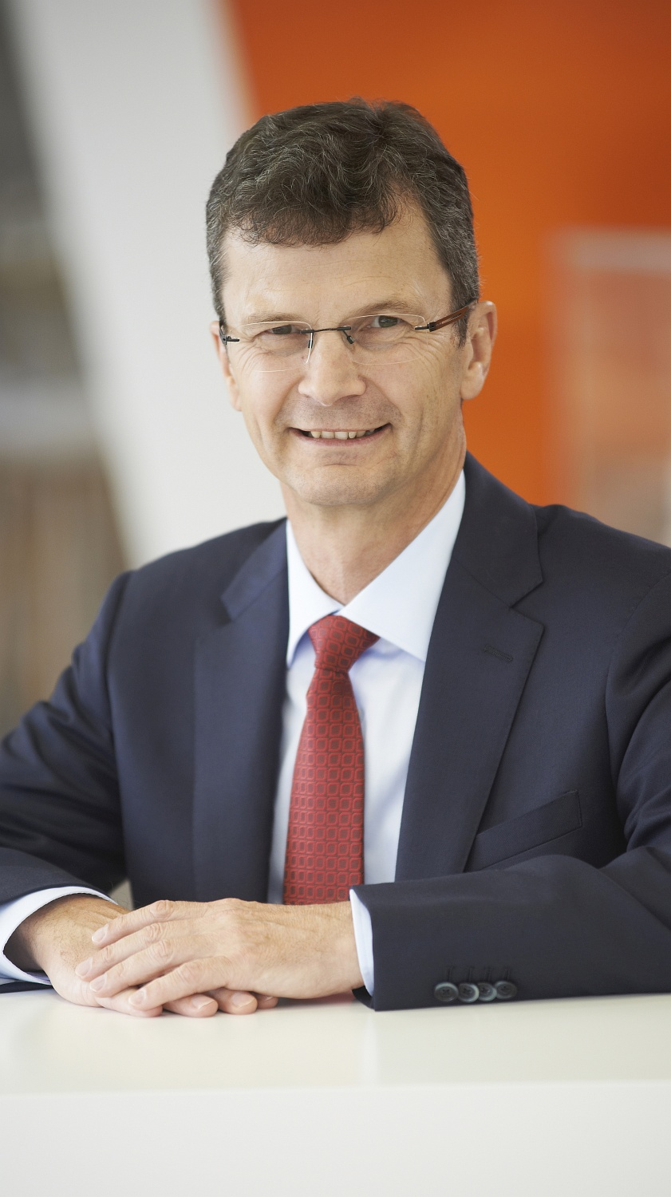 Dr. Norbert Gaus